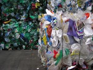 Extension du tri des plastiques : les soutiens proposés par Eco-Emballages