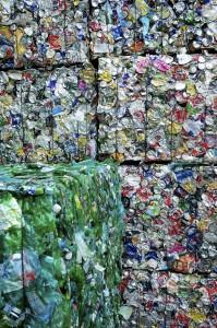 Avec la tarification incitative, on ignore si les effets bénéfiques (recyclage, entre autres) compensent les effets pervers (brûlage, etc.). (photo : FostPlus)