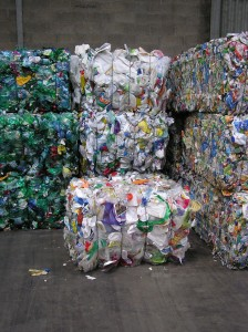 Eco-Emballages souhaite que les gros centres de tri fassent à terme un tri abouti par résine et type d'objet.