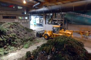 Les collectes sélectives de biodéchets ne permettent de capter qu'un faible part de la matière organique contenue dans les ordures ménagères. Ici, l'usine de méthanisation-compostage de biodéchets de Lille. (photo : © Max Lerouge, Lille Métropole)