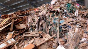 La pyrogazéification permet de traiter des déchets d'activités économiques, des encombrants ou des déchets plus homogènes.