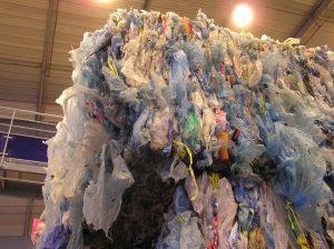 Sacs plastiques: premier bilan après l'interdiction