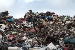 VHU: les constructeurs devront faire trier les plastiques bromés