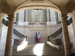 Eco-organismes/collectivités : le Tribunal des conflits tranche pour des contrats privés