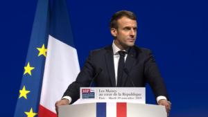 Consigne : Emmanuel Macron prône le dialogue